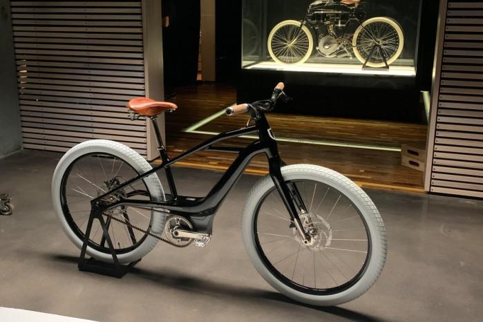 harley davidson serial 1 e bike vs 1905 Harley Davidson Model 1