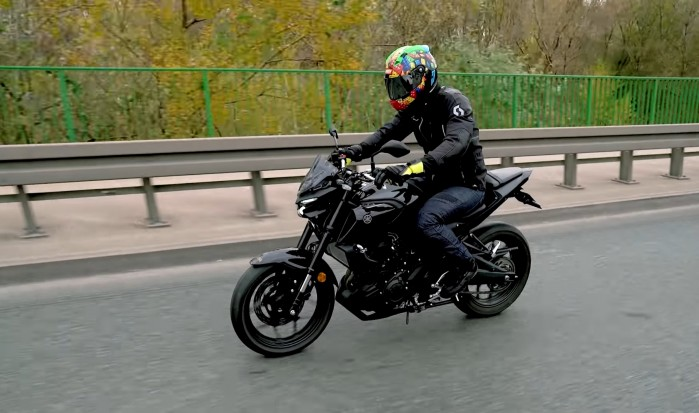 Yamaha MT 03 2020 test barry