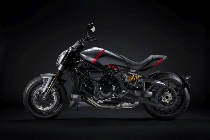Ducati XDiavel Black Star 2021 1