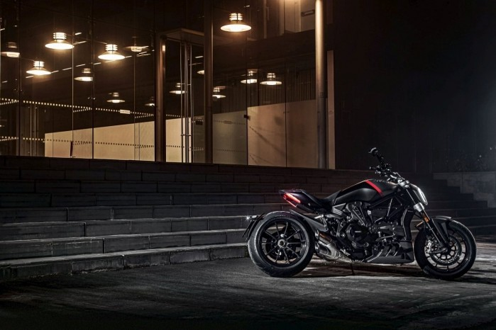 Ducati XDiavel Black Star 2021 10