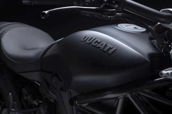 Ducati XDiavel Dark 2021 1