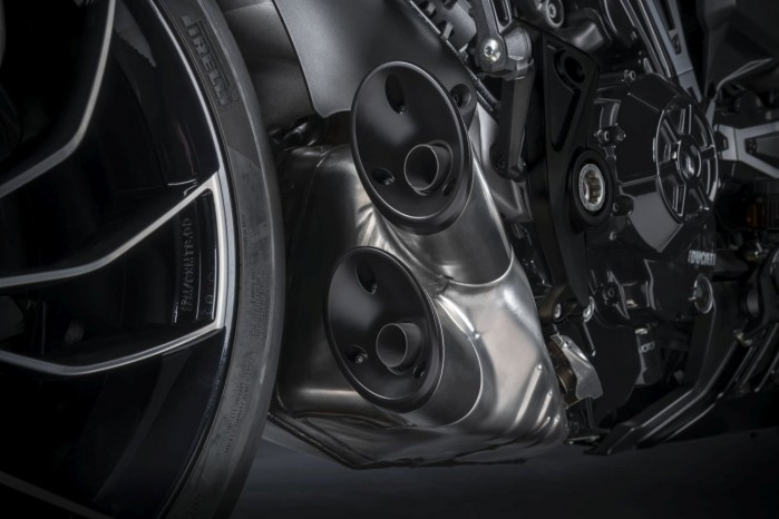 Ducati XDiavel S 2021 1