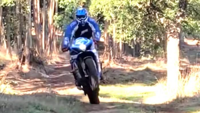 suzuki gsx r 1000 w terenie motocross offroad