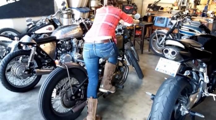 czy odpalac w zimie motocykl w garazu