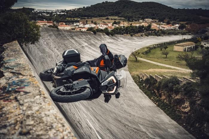 KTM 1290 Super Adventure S 02