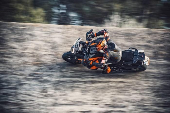KTM 1290 Super Adventure S 03