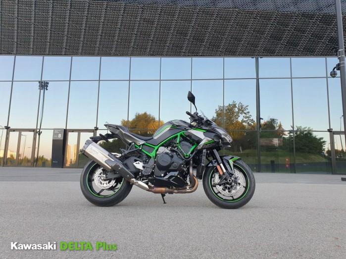6 Kawasaki Z H2 statcznie