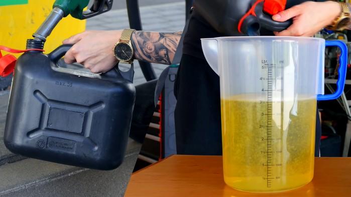 4 litry na stacjach ile to jest w naczyniu pomiarowym