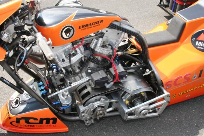 Nitrolimpix 2006 dragster z bliska