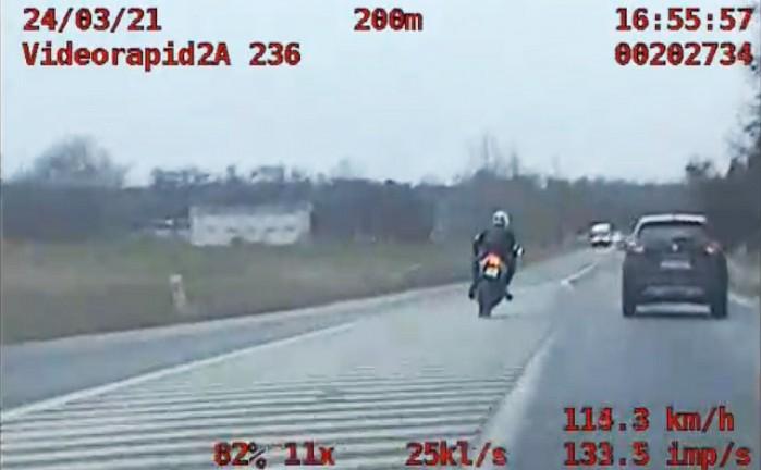18 latek Znin ucieka przed policja 200 km h bez prawa jazdy
