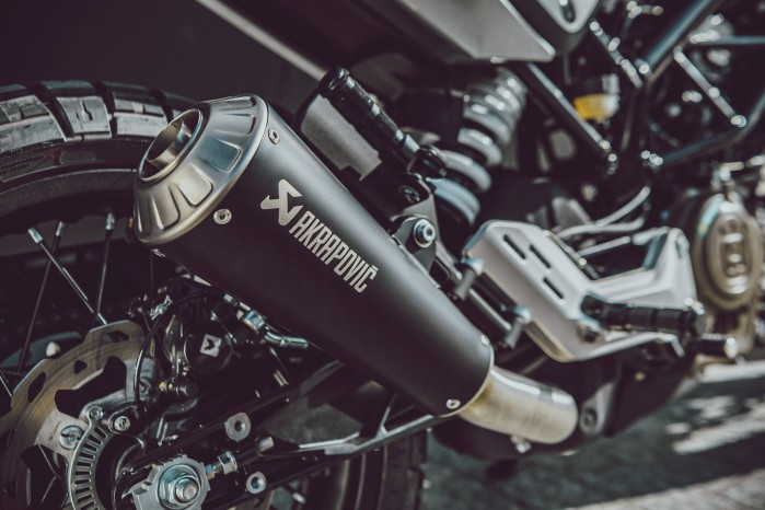 Akrapovic Slip on Line