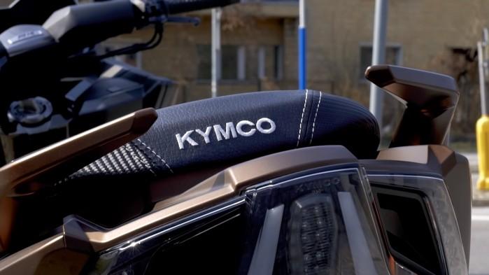 Kymco AK 550 tyl
