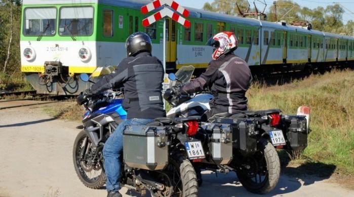 motocykle przejazd kolejowy polska