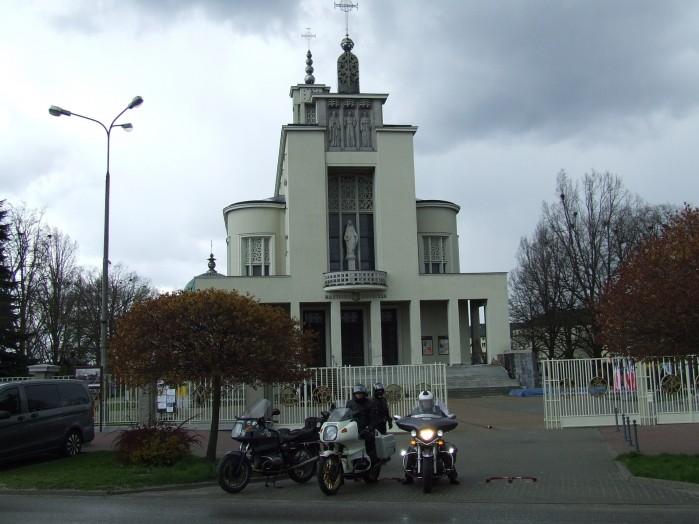 03 Kosciol i klasztor Franciszkanow w Niepokalanowie
