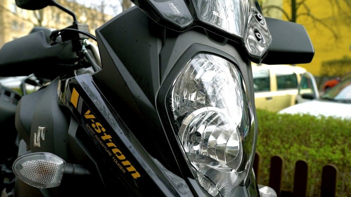 26 Suzuki DL 650 XT reflektor przod
