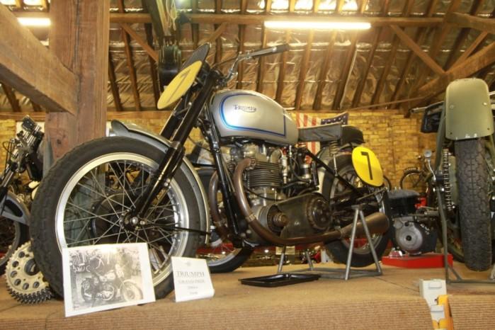 Wyscigowy Triumph GP z 1946 r