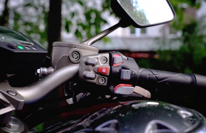zontes 125 u1 podswietlenie przyciskow na kierownicy