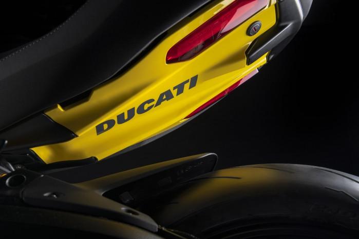 ducati diavel 1260 s black and steel 05