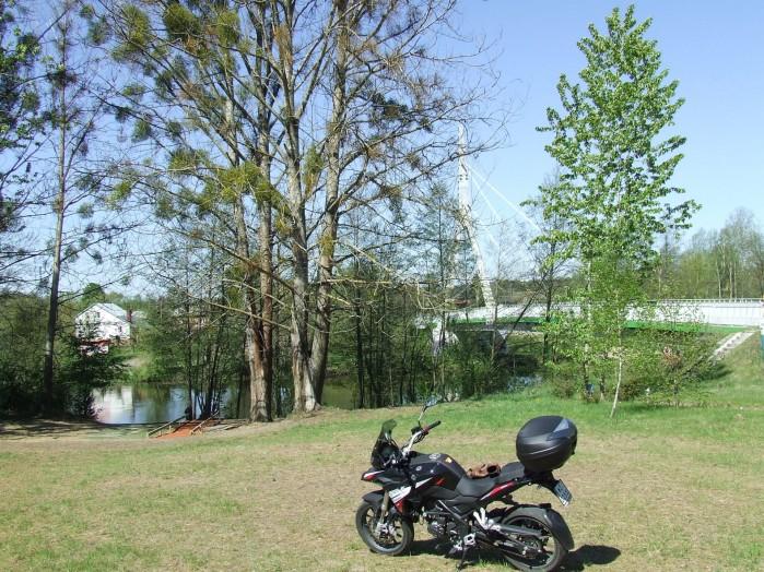 06 Wiszacy most na Wkrze w Golawicach