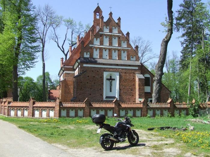 17 Dziektarzewo Kosciol w stylu gotyk mazowiecki