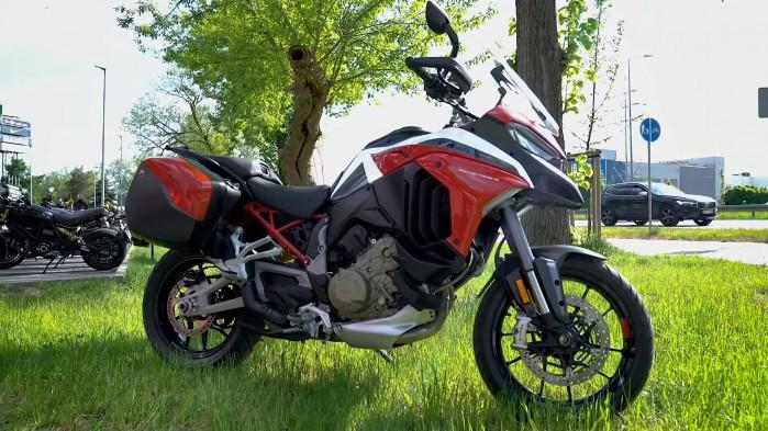 03 Ducati Multistrada V4S statyka
