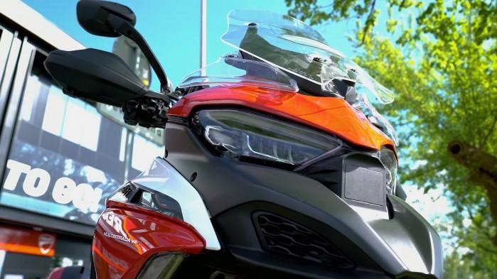 07 Ducati Multistrada V4S przod