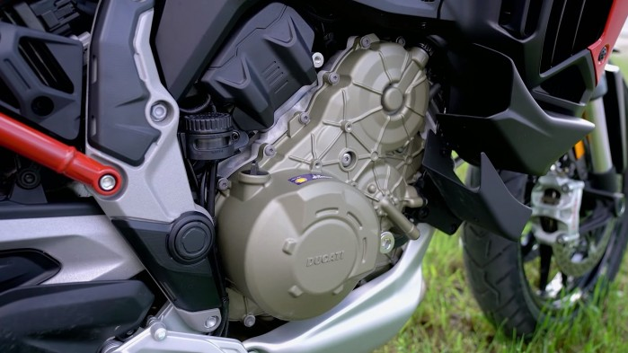 09 Ducati Multistrada V4S silnik