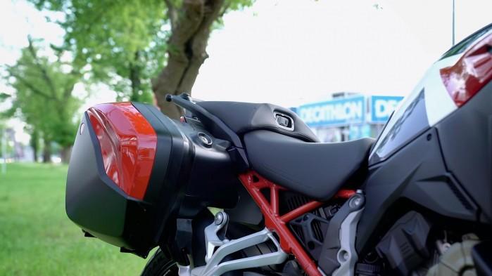 10 Ducati Multistrada V4S siodlo