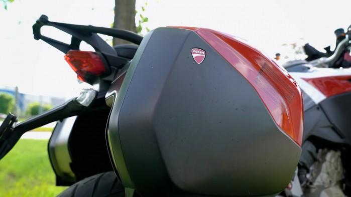 11 Ducati Multistrada V4S kufry