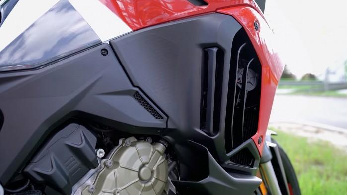 17 Ducati Multistrada V4S wykonanie