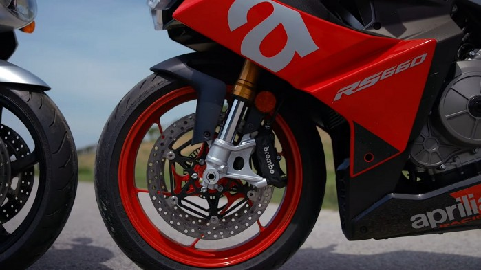 03 Aprilia RS660 hamulce kolo