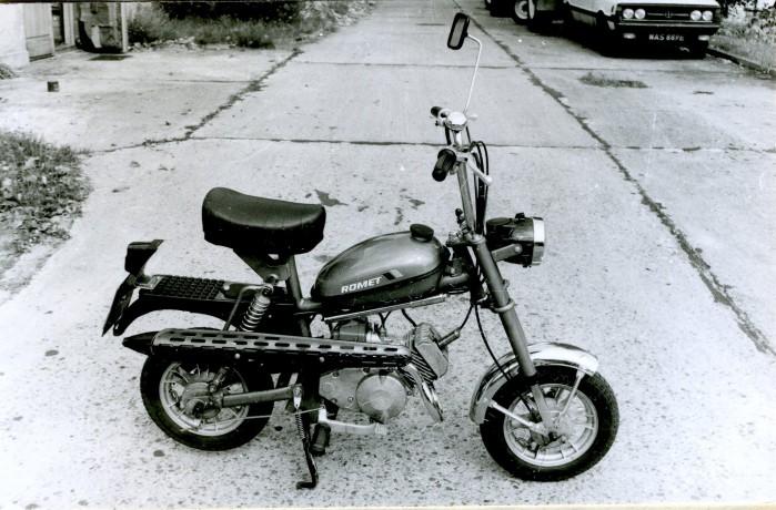 Motorynka Romet 50 M 2. Fotografia ze zbior lw Instytutu Transportu Samochodowego.