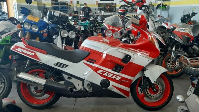 12 Moto Angeles cbr 1100