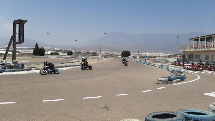 17 Moto Angeles trening tor
