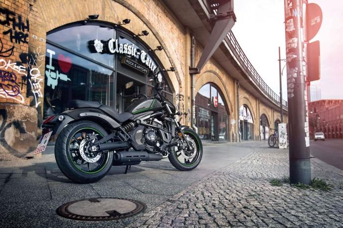 Kawasaki Vulcan S 2022 na ulicy