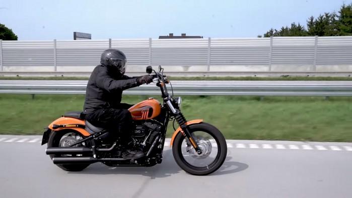01 Rajd motocyklowy Industrialne Mazowsze 2021 wojtek harley davidson