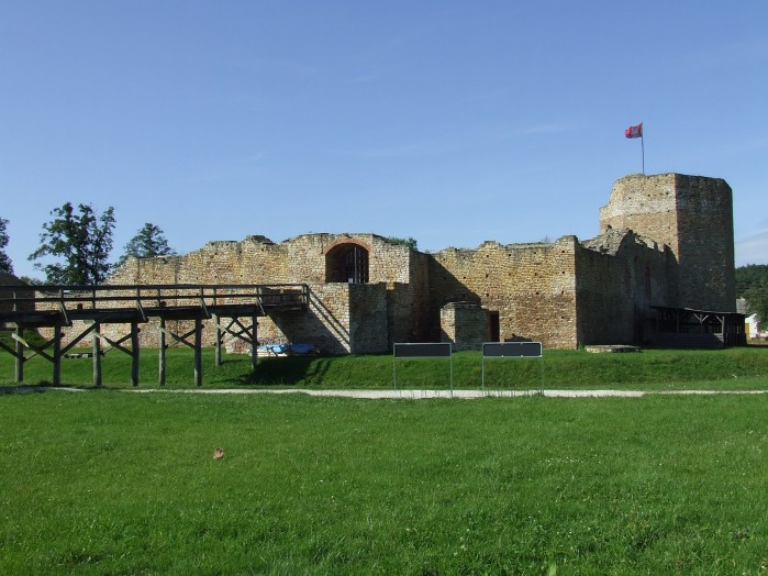 09 Ruiny zamku Kazimierza Wielkiego w Inowlodzu
