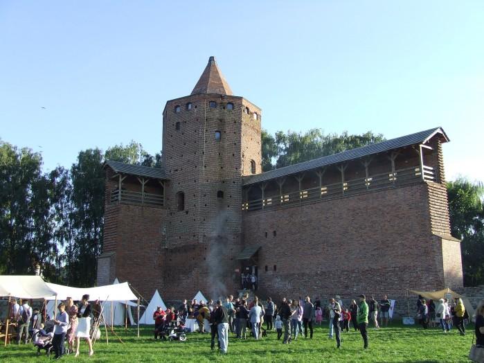 16 Wieza i resztki murow zamku w Rawie Mazowieckiej
