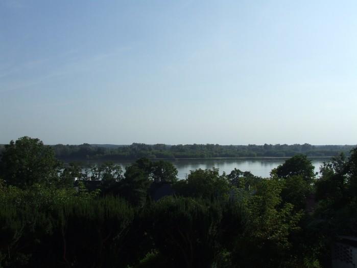 17 A z tarasu przyklasztornego roztacza sie niezwykla nieprzejrzana panorama