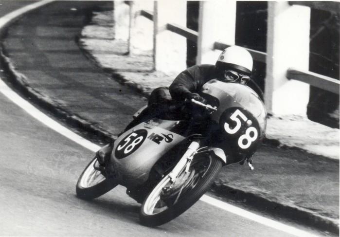 Ryszard Mankiewicz jedzie po 3 miejsce w eliminacji Motocyklowych Mistrzostw swiata