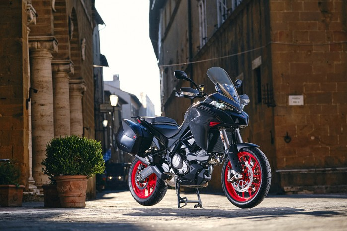 MY22 Ducati Multistrada V2S Grey DYN 98 UC338697 Low