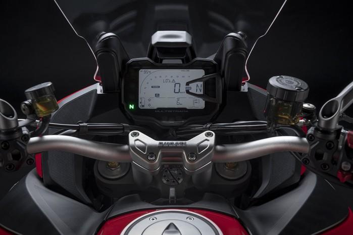 MY22 Ducati Multistrada V2 Red 132 UC338537 Low