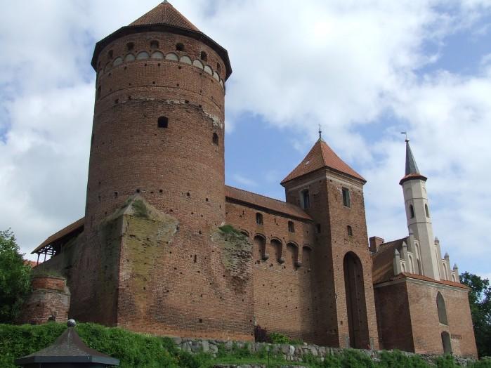 07 Wyniosly fronton biskupiego zamku w Reszlu