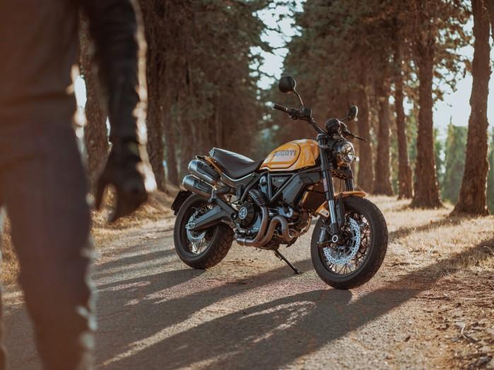 Ducati Scrambler 1100 Tribute Pro zolty my22