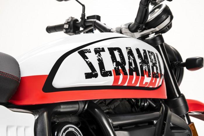 Ducati Scrambler Urban Motard logo zbiornik 2022