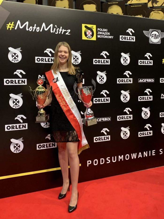 Karolina Jasinska 5