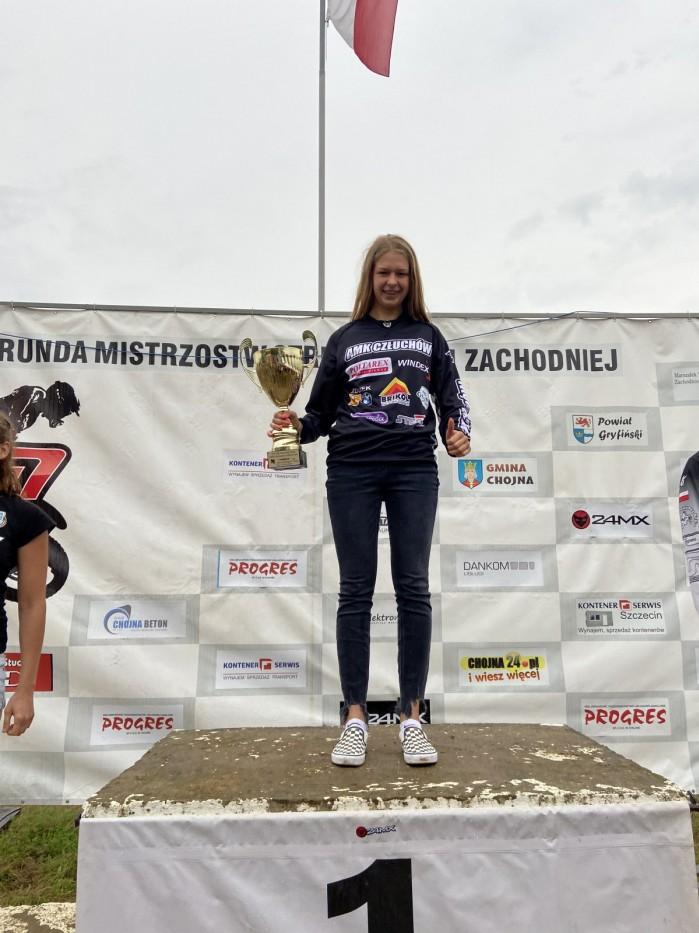 Karolina Jasinska 6