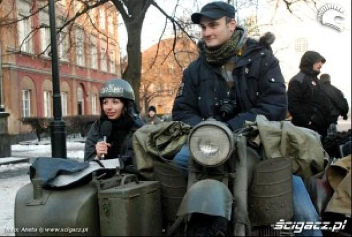 dziewczyna w kasku Ormo motocykl zabytkowy
