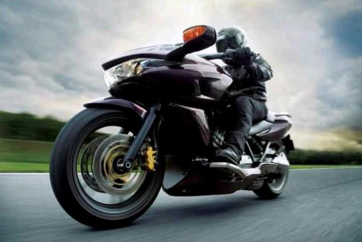 Honda DN-01 przod dynamiczne