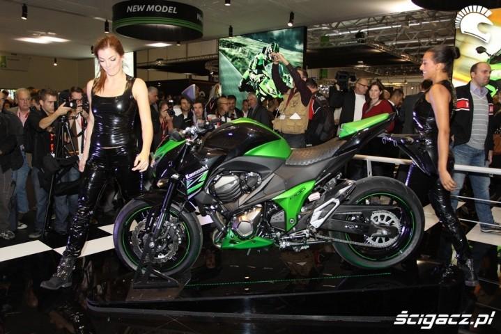 Kawasaki Z800 2013 i dziewczyny